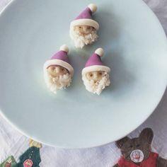 練り切り wagashi  ブラックベリーと柚子皮粉末で色付け サンタクロース
