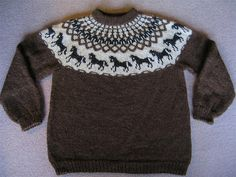 horse pattern Ravelry: Hestapeysa (Icelandic Sweater with Horses) pattern by Jhanna Hjaltadttir Baby Sweater Knitting Pattern, Fair Isle Knitting Patterns, Knit Patterns, Knitting For Kids, Double Knitting, Ravelry, Icelandic Sweaters, Horse Pattern, Knitted Baby Clothes