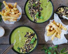 Vanløse blues.....: Broccoli-spinat suppe med nøddedrys og pastinak fritter