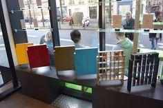 """Exposition éphémère de la collection """"Artistes"""" de Fabulem, marque de mobilier modulaire chic et cool ! Le 8 mars 2015, chez Contact Coiffure, 97 boulevard Raspail 75006 Paris."""