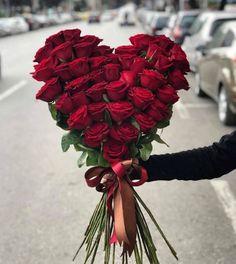 ideas for flowers shop decoration florists Valentine Flower Arrangements, Funeral Flower Arrangements, Valentines Flowers, Beautiful Flower Arrangements, Funeral Flowers, Floral Arrangements, Amazing Flowers, Love Flowers, Beautiful Roses