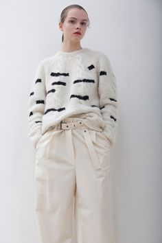 Christian Wijnants Fall 2016 Ready-to-Wear Fashion Show www.thesquarebanana.com