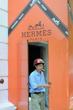 Hermes    Soon to be Hermes in Hanoi. At Metropol hotel. Hanoi, 13.7.2008