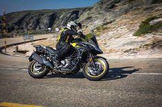 SUZUKI V-Strom 650 ABS. Esta motocicleta con doble propósito te ayudará a alimentar tu espíritu de aventura pues está diseñada para llevarte a cualquier destino de forma cómoda y divertida. Imponente y ágil tiene una longitud de 2.290 mm y un ancho de 835mm; así como una distancia entre ejes de 1.560mm y un peso en orden de marcha de 214 kg. @suzuki_mex #suzuki #moto #motocicleta #bike #motorcycle #offroad #doblepropósito #aventura #aventure #terracería #rrmx  via ROBB REPORT MEXICO MAGAZINE…