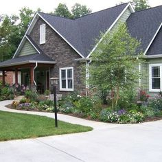 Anna Looper Exterior Photos Curb Appeal Design, Pictures, Remodel, Decor and Ideas - page 4