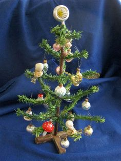 Antique doll house Christmas tree/mouth blown glass ornaments and doll heads   eBay