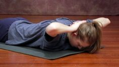 Back Stretch on the Belly: A great exercise for the rhomboids, a muscle connecting the shoulder girdle to the spine. Rhomboid Exercises, Scoliosis Exercises, Back Exercises, Crossfit Bootcamp, Shoulder Posture, Shoulder Massage, Posture Fix, Bad Posture