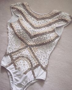 Embellished Bodysuit, Look Body, Pullover Shirt, Body Suit Outfits, Express Women, Pin Up Style, Female Bodies, Diy Clothes, Blouses For Women