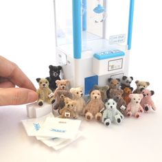 Arts And Crafts Ideas For Toddlers Diy Craft Projects, Diy And Crafts, Projects To Try, Arts And Crafts, Paper Crafts, Pipe Cleaner Art, Crochet Bear, Miniature Dolls, Blythe Dolls