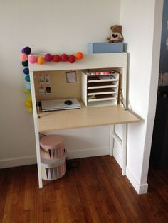 Ikea ps My new desk? Ikea Ps 2014, Apartment Decor, Ikea Ps, Living Room Decor Apartment, Ikea Childrens Desk, Bookcase Diy, Apartment Living Room, Ikea Living Room, Industrial Home Design