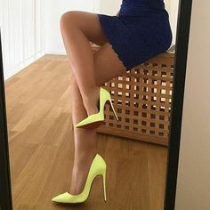 Sexy legs n heels Sexy High Heels, Louboutin High Heels, Christian Louboutin, Beautiful High Heels, Sexy Legs And Heels, Hot Heels, Stilettos, Pumps Heels, Stiletto Heels