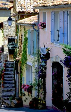 Moustiers St. Marie / Vaucluse, France, in the French Alps...smallest village in France and gorgeous surroundings!!! The canyon of the Verdon is the second largest in the world after the Grand Canyon in US!