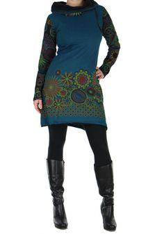 Cette tunique femme ethnique bleue Najali rendra jalouse toutes les femmes qui ne l'aurons pas. Disponible en plusieurs couleurs sur : www.akoustik-online.com