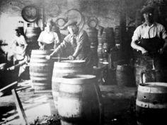 Beer Pics, Beer Pictures, Beer History, Sliders, Content, Painting, Image, Art, Art Background