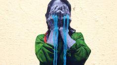 Esta mexicana interviene fotografías con coloridos bordados y las pega en la calle - Creators