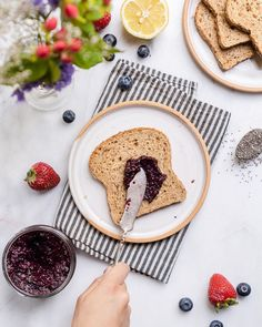 Learn how to make chia seed jam at home with 4 simple ingredients and just 20 minutes. It's a healthier alternative to store bought jam and so easy to make! Vegan Breakfast Options, Breakfast Kids, Carrot Cake Sandwich Cookies, Cookie Sandwiches, Vegan Eggplant, Edible Food, Thing 1, Stone Fruit, Peanut Sauce