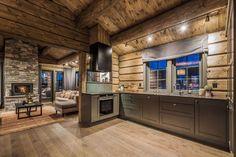 OPPLEV NYE RØROSHYTTA VISNINGSHYTTE!   FINN.no Cabin Homes, Cottage Homes, Log Homes, Wooden Cabins, Wooden House, Rustic Bedroom Furniture Sets, Timber Cabin, Lake House Plans, Kitchen Corner