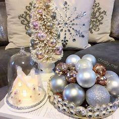Loving this color scheme 💕 #christmas #homedecor