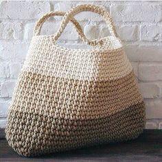 Доброе утро!✨ Ну, что, на шашлыки? Надевайте удобную обувь, комфортную одежду, берите с собой вместительную сумку и не забудьте хорошее настроение! Желаем всем отличного отдыха! Связана сумка из шнура.... но об этом позже... #lianaknit #пряжалиана #пряжалиана_палитра