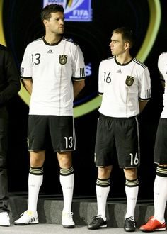 ballack is el capitano. eff off short stuff lahm