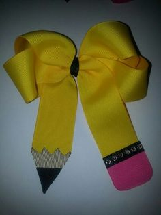 DIY back to school hair bow. So cute!!! https://www.retailpackaging.com/categories/18-ribbons-bows #bts #kids #crafts