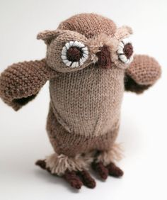 I would love to make an owl like this but life-sized <3 <3 <3 so you can wrap your arms around it... then squeeeze!!! xD