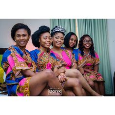 Beautiful @orjiuchechi and her girls.... ready for the day.  Photo by @doiyk_exposures #Gidiweddings #weddingphotography #weddingday #weddingswelove #wedding #bridaltrain #bridesmaids #bride #nigerianwedding #owerriweddings #weddingfun #doiyk_exposures