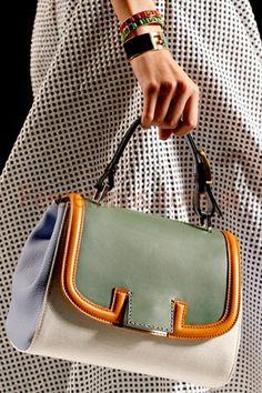 Tendencias carteras moda 2012 Fendi d