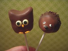 Owl and Hedgehog cake pops by papertreats