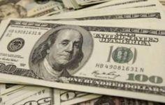 الدولار يرتفع من 10 إلى 15 قرشا خلال تعاملات الأربعاء -  شهدت أسعار العملة الخضراء ارتفاعا ملحوظا خلال تعاملات الأربعاء وزاد الدولار ما بين 10 و15 قرشا عن أسعار الفترة الصباحية. وطبقا لآخر تحديث بلغ سعر الدولار في بنوك الأهلي ومصر والقاهرة للشراء 55ر17 جنيه وللبيع 65ر17 جنيه بعد أن سجل 45ر17 جنيه للشراء و55ر17 جنيه للبيع خلال الفترة الصباحية.        وفي البنك العربي الإفريقي الدولي بلغ سعر الدولار للشراء 57ر17 جنيه وللبيع 67ر17 جنيه بعد أن بلغ 47ر17 جنيه للشراء و57ر17 جنيه للبيع خلال الفترة…