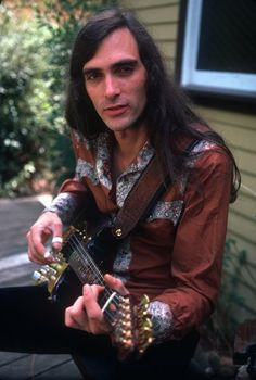 Acid guitar hero John Cipollina of Quicksilver Messenger Service. Along with fellow lead player Gary Duncan these two wove some astounding tapestries of sound in the sixties. Grand Funk Railroad, 80s Hair Bands, 60s Music, Judas Priest, Music Images, Best Rock, Summer Of Love, Hard Rock, Music Artists
