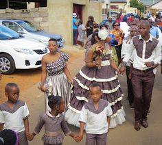 Paballo's world: Mr & Mrs Nxumalo - Traditional Wedding African Bridesmaid Dresses, African Print Dresses, African Print Fashion, African Prints, South African Traditional Dresses, Shweshwe Dresses, Romantic Wedding Decor, Latest African Fashion Dresses, African Attire