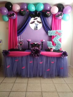 Just the bats on the moon details with the black curtain Halloween Birthday, Third Birthday, 4th Birthday Parties, Birthday Party Decorations, Birthday Ideas, First Birthdays, Threenager, Party Ideas, Bats