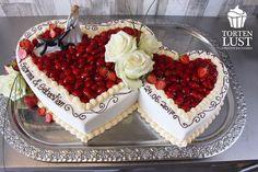 heart – cake wedding – - New Sites Vegan Scones, Cheesecake, Scones Ingredients, Wedding Cake Roses, Wedding Sweets, Birthday Cake Decorating, Elegant Cakes, Cake Art, Dessert Table