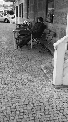 Foto capturada na Rua Sá e Melo da cidade de Vizela no dia 05 de Março de 2016