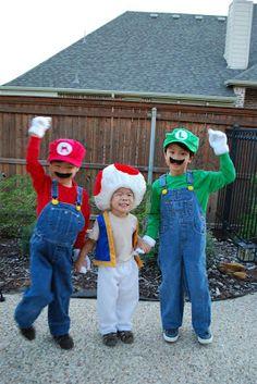 craftyc0rn3r: My three munchkins...
