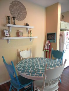 nice stenciled table!  'cause our kitchen table needs some love.
