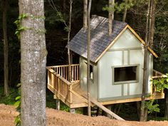 how to build a tree house | How to Build a Treehouse : How-To : DIY Network