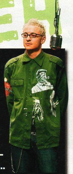 Chester Bennington. Numb music video