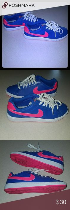 PRICE ✂CUT Nike sneakers Pre-loved adorable Nikes super cute barely worn.  colors ( neon pink) &( gumball blue) Nike Shoes Sneakers