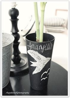 simple chalk board paint... Chalk It Up, Chalk Board, Chalkboard Paint, Chalk Paint, Board Ideas, Household Tips, Creative Ideas, Interior Decorating, Container