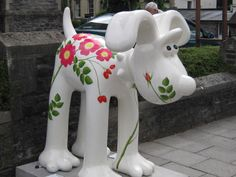 Dog Rose by Ros Franklin at Whiteladies Road (No 49)