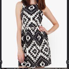 Sugarlips sleeveless dress size Small Sleeveless backless dress with back zipper. Fits more like an XS. Never been worn. Sugarlips Dresses Mini