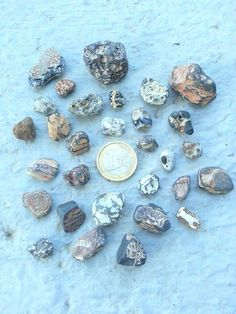 Volcanic Rocks of Aeolian Islands, Jewelry Rocks, Mediterranian Rocks, Volcanic Stones, Jewelry Supplies, Beach Stones, Rocks For Pendants di Mughetto su Etsy