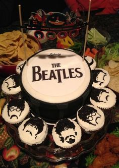 Beatles cake and cupcakes Teske Goldsworthy Teske Goldsworthy Teske Goldsworthy frazier Chambers THE CUPCAKES! Beatles Cake, Beatles Birthday, Beatles Party, The Beatles, 14th Birthday Cakes, Birthday Parties, 70th Birthday, Birthday Ideas, Cupcakes