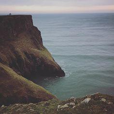 Cliff #rhosillibay #wales #cliffs