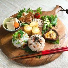 ぷるベリー家の食卓 Japanese Dishes, Japanese Food, Cute Food, Yummy Food, Asian Recipes, Healthy Recipes, Plate Lunch, Sushi Plate, Food Presentation
