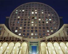 Souvenir D'un Futur - Laurent Kronental. Arquitetura futurista de um futuro que não aconteceu.