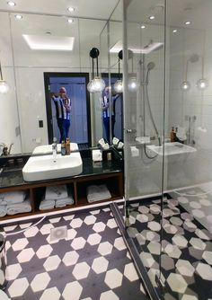 Helsinki, 5 Star Hotels, Awards, Vanity, Mirror, Furniture, Home Decor, Dressing Tables, Powder Room