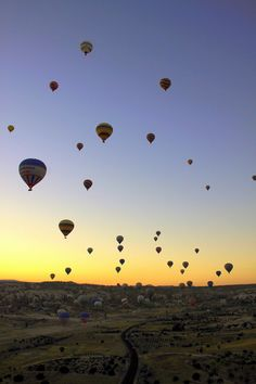 I love seeing hot air balloons. Maybe I'll be able to try it! Turkey is on my travel list (Cappadocia) #treasuredtravel